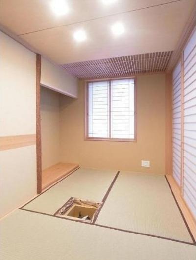 三畳茶室/水屋側より (マンションに仏間⇔茶室  住まいの一角に心落ち着く空間を)