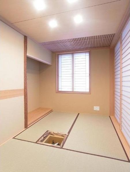 マンションに仏間⇔茶室  住まいの一角に心落ち着く空間をの部屋 三畳茶室/水屋側より