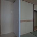 マンションに仏間⇔茶室  住まいの一角に心落ち着く空間をの写真 建具開閉1/左側に置き水屋を配置する