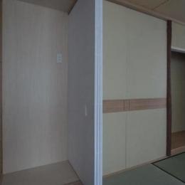 マンションに仏間⇔茶室  住まいの一角に心落ち着く空間を (建具開閉1/左側に置き水屋を配置する)