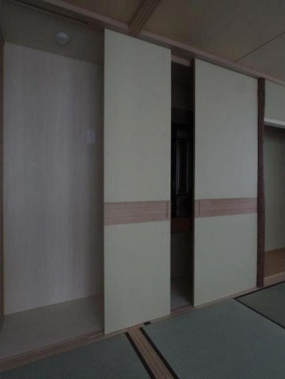 建具開閉2/水屋側に建具を移す (マンションに仏間⇔茶室  住まいの一角に心落ち着く空間を)