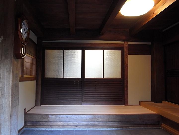 山添の家の部屋 玄関