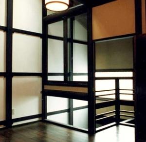 奈良町W邸の部屋 階段上