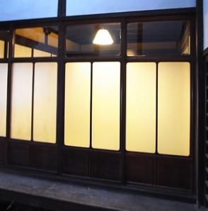 奈良町O邸(登録文化財)の部屋 引き戸