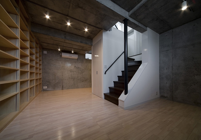 WA邸の部屋 半地下収納部屋