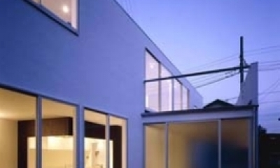 house Kf (外観(夜間)(撮影:H.HIRAI & H.SUGIURA))