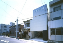 house H (外観(日中)(撮影:T.KURUMATA))