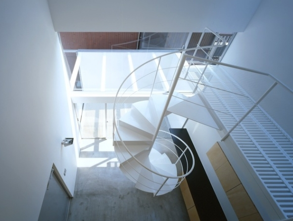 house Hの部屋 エントランス テラス(撮影:T.KURUMATA)