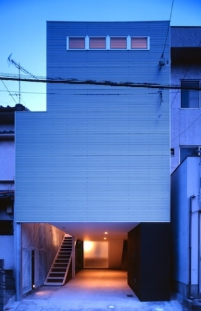 house H (外観(夜間)(撮影:T.KURUMATA))