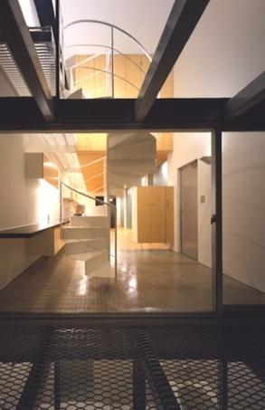 house Hの部屋 エントランス(夜間)(撮影:T.KURUMATA)