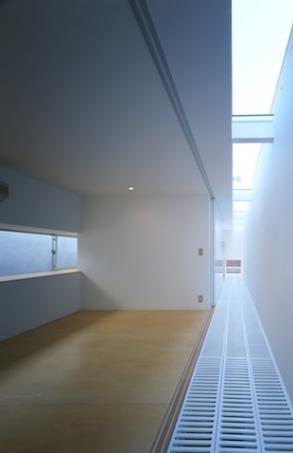 house Hの部屋 3階通路(撮影:T.KURUMATA)