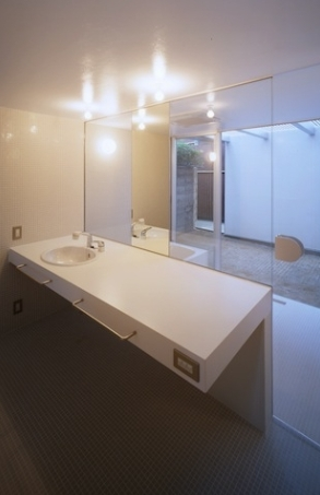 house Hの部屋 洗面所(撮影:T.KURUMATA)