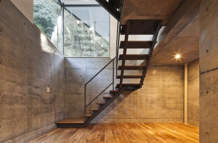 AW/Tの写真 階段下(撮影:Tomohiro Sakashita)