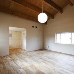 ベッドルーム(撮影:Tomohiro Sakashita) (燻の家)