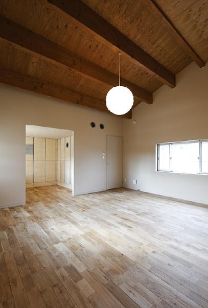 燻の家の部屋 ベッドルーム(撮影:Tomohiro Sakashita)
