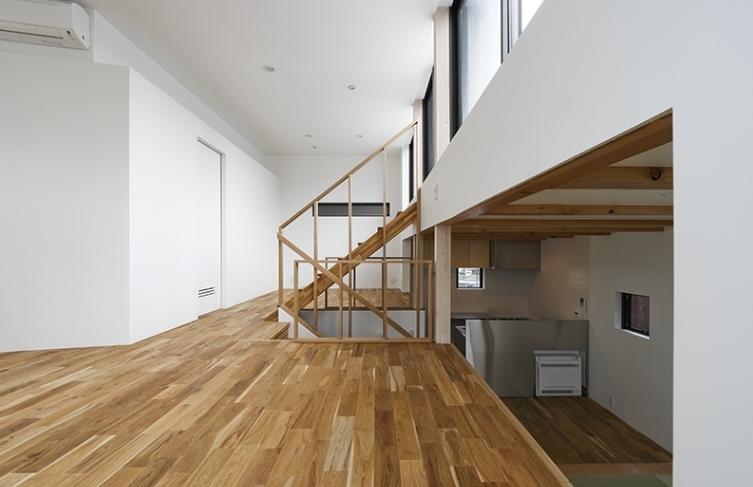 凸の家の部屋 中階(撮影:Tomohiro Sakashita)