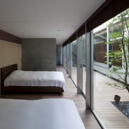 PATIO (寝室)