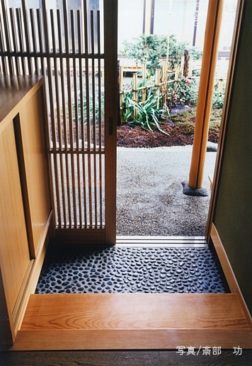 大手町の家の部屋 中庭への出入り口
