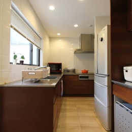 中庭のある家(1) (L字型キッチン)