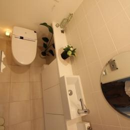 中庭のある家(1) (トイレ)