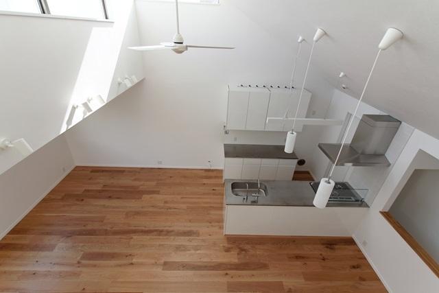 ハイサイドライトハウス(2) (主室1)