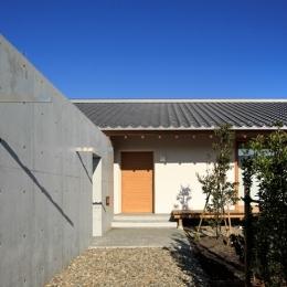 素直な家 (外観2)
