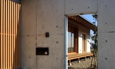 素直な家 (入り口)