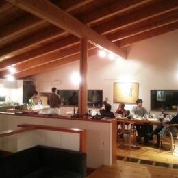 栃木県那須町・薪ストーブと土間の家|那須の週末住宅 (大勢でパーティー)