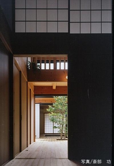 中心に中庭3 (風の家)