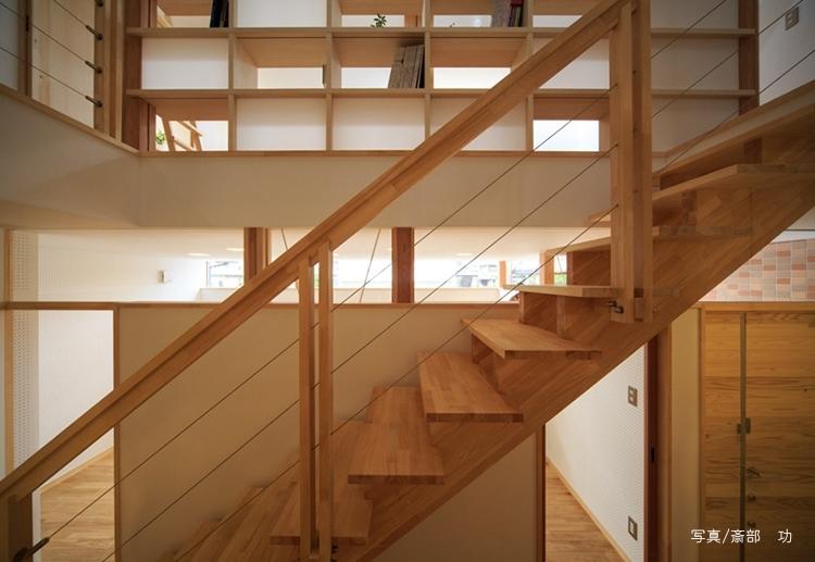 ひかりの家 (階段)