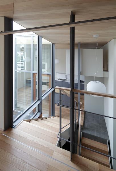 YM houseの部屋 階段2