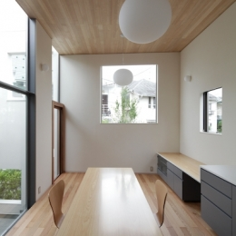 YM house (リビングダイニング)