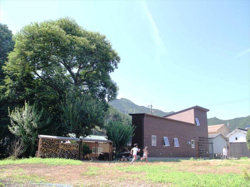 建築家:浦篤志「大きな栗の木の下で」