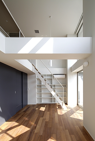 KITASANDO STYLEの部屋 ロフトに続く階段1