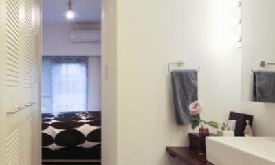 SY/T (ベッドルームへの通路(撮影:Tomohiro Sakashita))