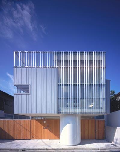 IZ HOUSE (外観1(撮影:平井広行))