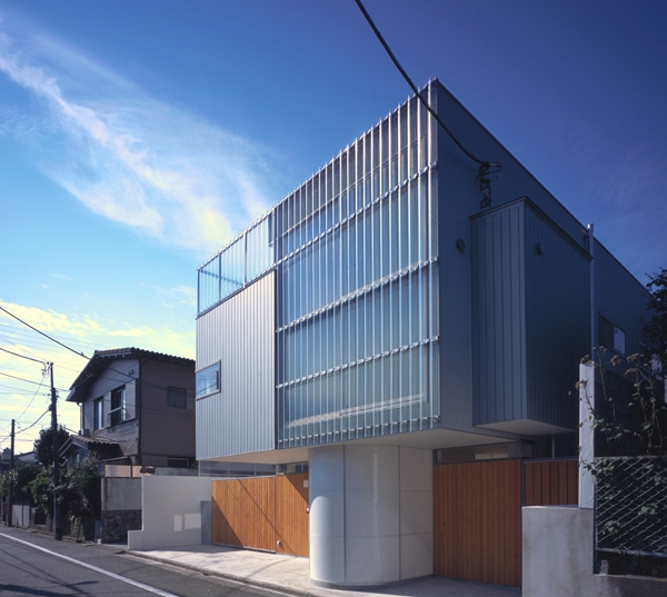 IZ HOUSE (外観2(撮影:平井広行))