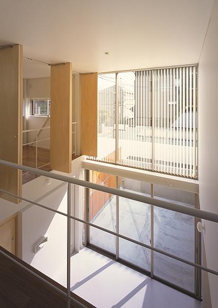 IZ HOUSEの写真 1階多目的広間(撮影:平井広行)