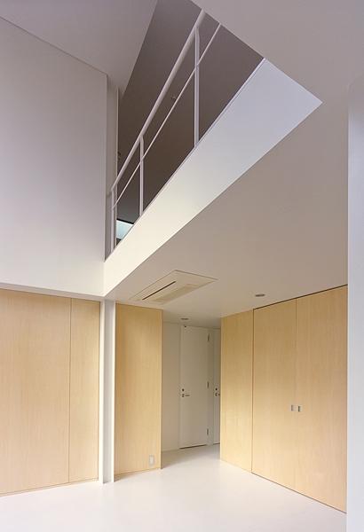 IZ HOUSEの部屋 1階と2階を繋ぐ空間(撮影:平井広行)