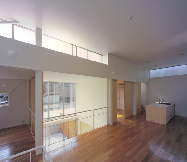IZ HOUSE (LDK-1(撮影:平井広行))