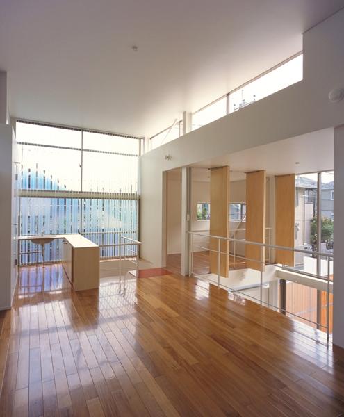 IZ HOUSEの写真 LDK-2(撮影:平井広行)