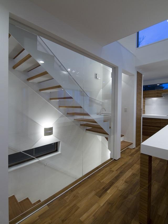 アウトドアリビングの家(4)の写真 室内階段