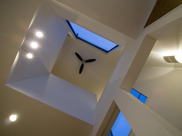 アウトドアリビングの家(4)の部屋 天井