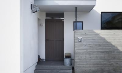 方形屋根のいえ (玄関)