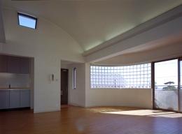 TERRAZZA芦屋川 (A棟2階住戸・リビング)