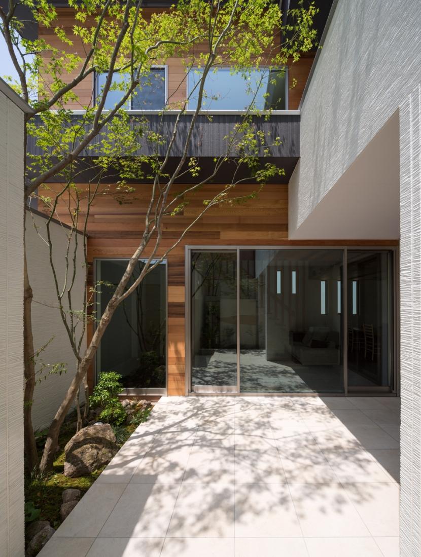 M4-house「重なり合う家」の部屋 アウトドア
