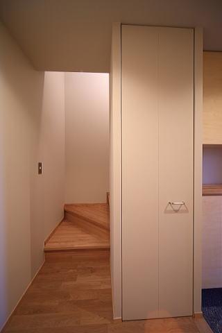 囲まれていてものびのび暮らせる家の写真 階段