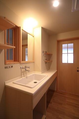 アトリエのある家の部屋 洗面脱衣室