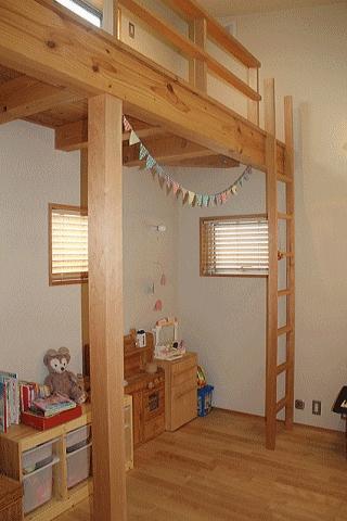 シンプル+ナチュラルな家の部屋 子供室