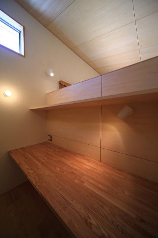 シンプル+ナチュラルな家の部屋 書斎